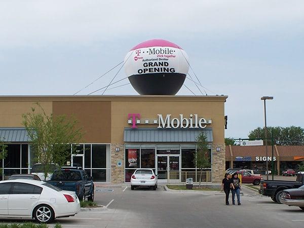 outdoor advertising balloons