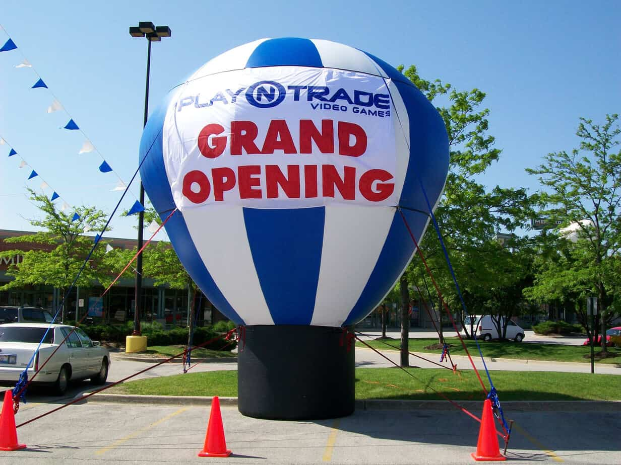 Grand opening advertising balloons